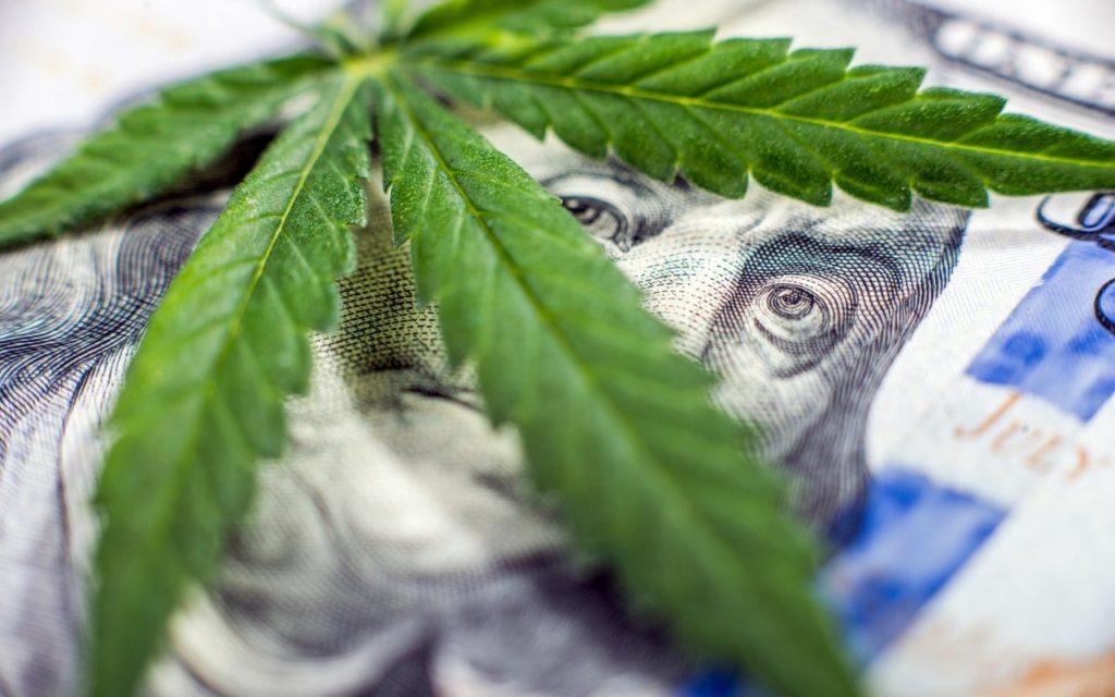 トランプ大統領 全米の大麻制度に決着